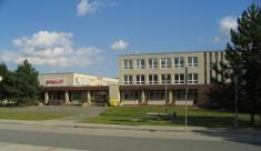 Základní škola - foceno 14.9.2007