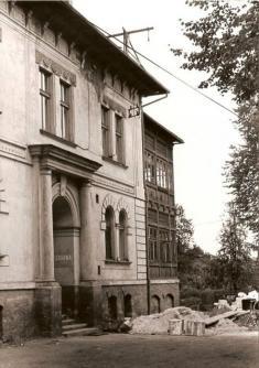 Lékárna - dnešní lékařský dům okolo roku 1978