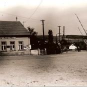 Bývalý hostinec u nádraží, dnes je na jeho místě kino